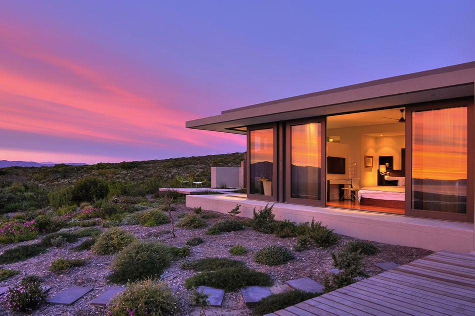 pic1396the-villa-lit-by-the-soft-light-of-sunset-lr