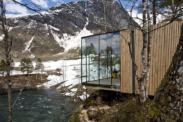 Hotel juvet the travel news for Piani di log cabin lodge