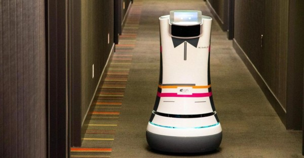 39687_01_aloft_hotel_in_silicon_valley_making_use_of_robotic_botlrs_named_alo_full