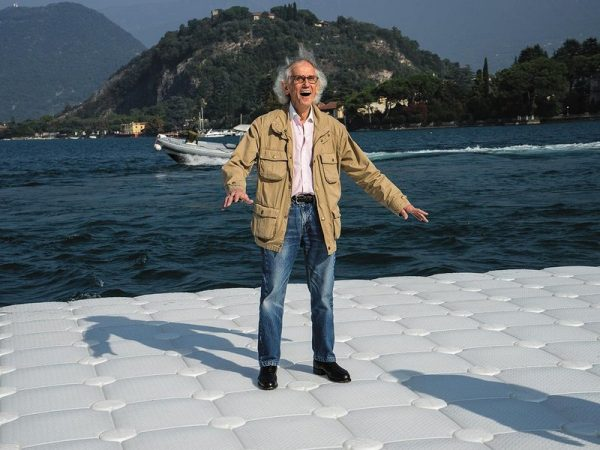 christo-on-the-floating-piers