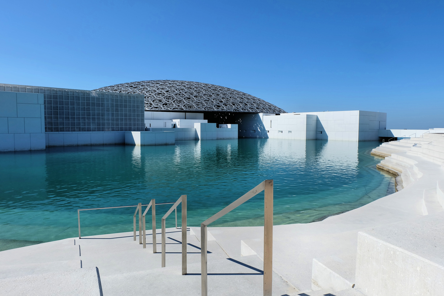 the-louvre-abu-dhabi