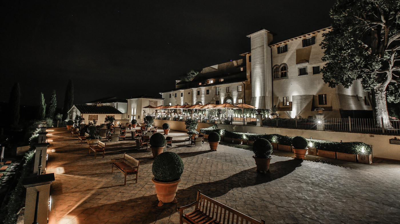 panoramic-terrace-by-night-2