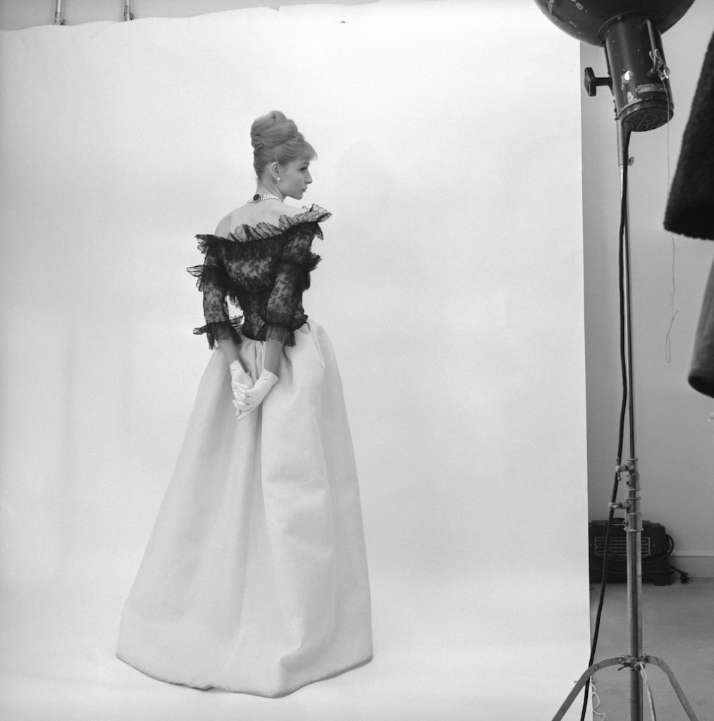 Evening-dress-Crist¦bal-Balenciaga-Paris-1962.-Photograph-by-Cecil-Beaton-1971-®-Cecil-Beaton-Studio-Archive-at-Sothebys