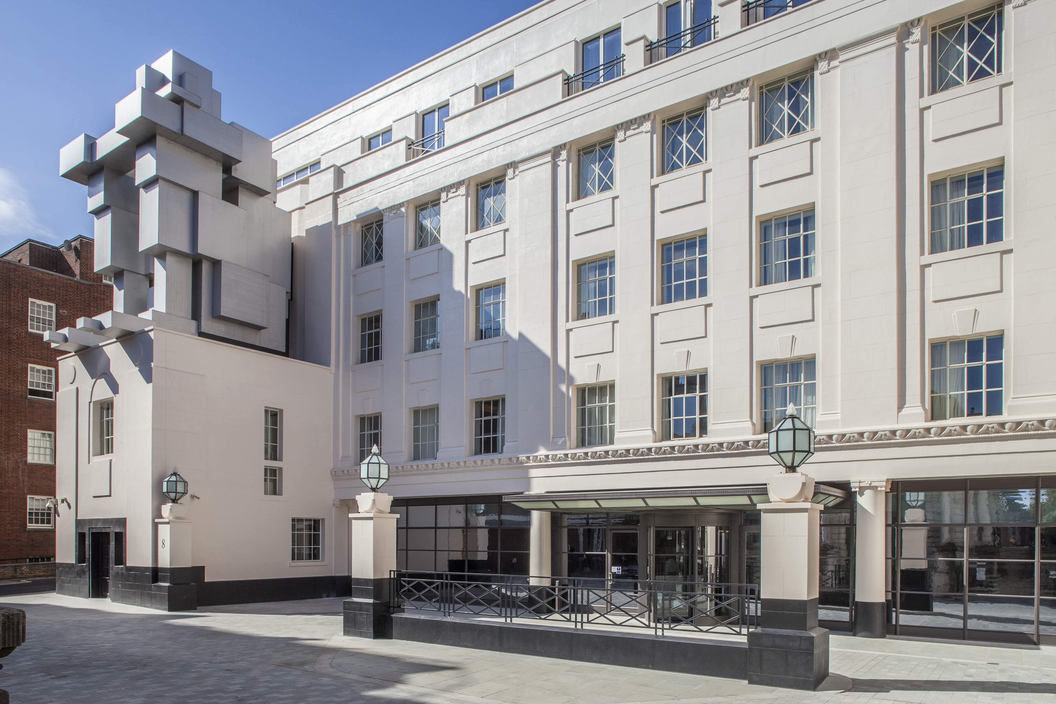 the_beaumont_exterior