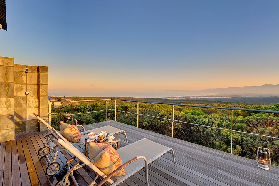 pic1376incredible-views-over-walker-bay-nature-reserve-and-mountain-slopes-from-deck-of-luxury-suite-lr