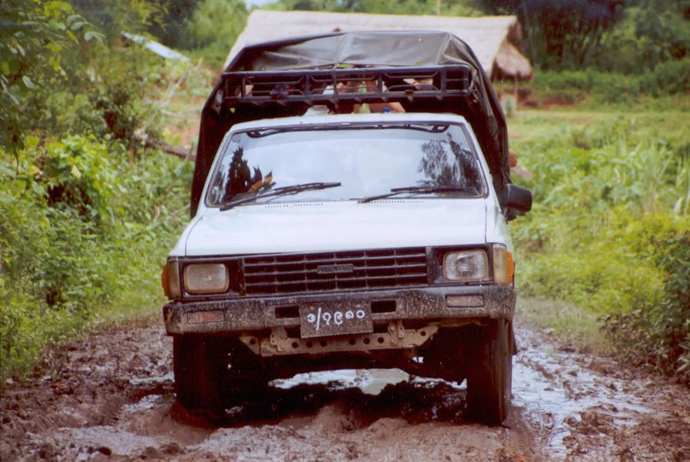myanmar_jeep-nel-bosco