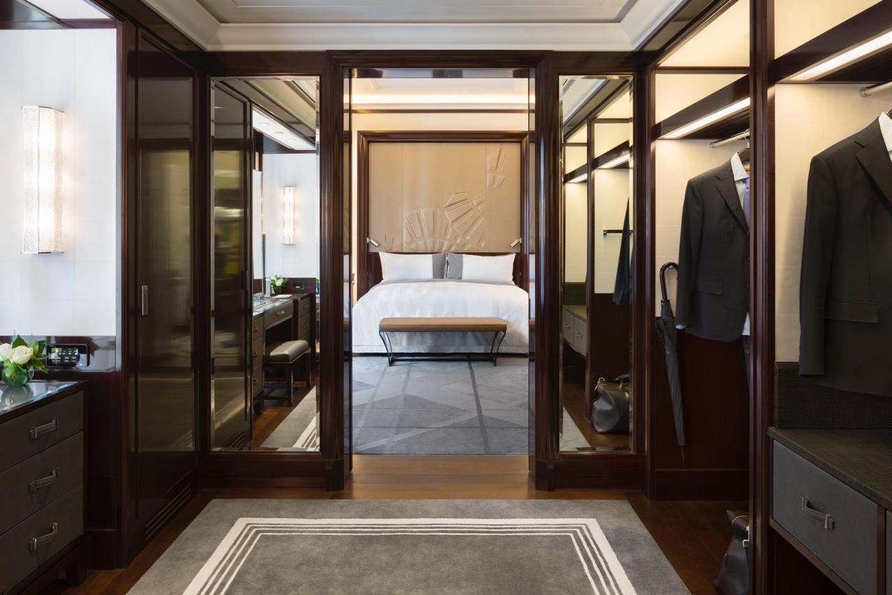 deluxe-suite-dressing-room2