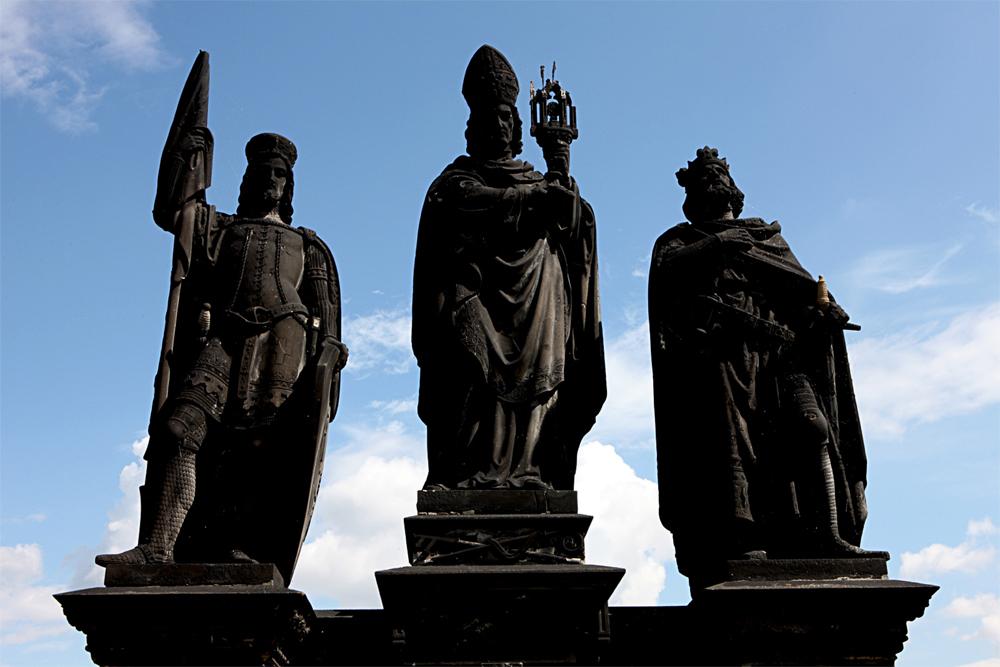Gruppo scultoreo sul Ponte Carlo
