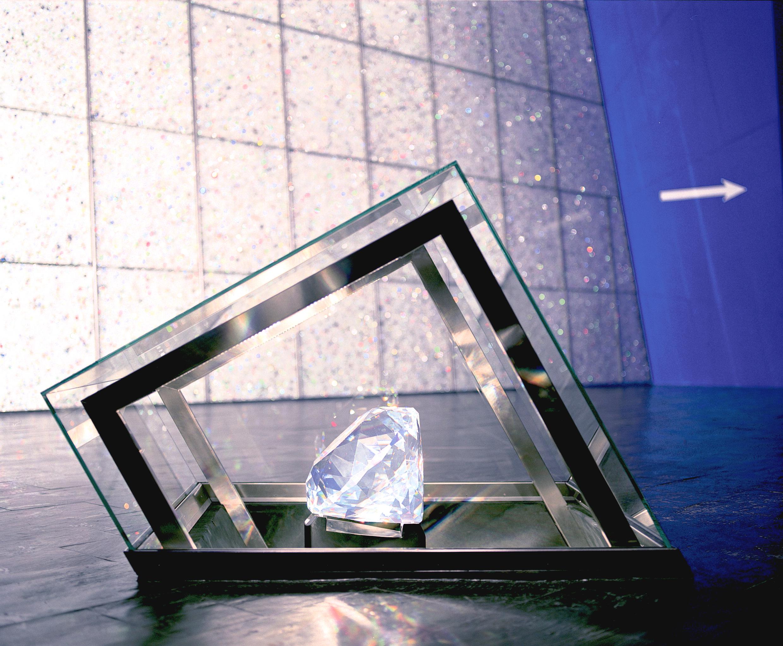 skw_eingangshalle_centenar__cswarovski-kristallwelten-corretta