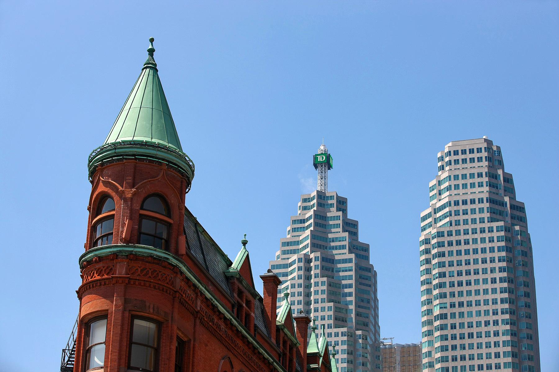 L'ultimo piano del Gooderham Building, edificio vittoriano circondato dai grattacieli