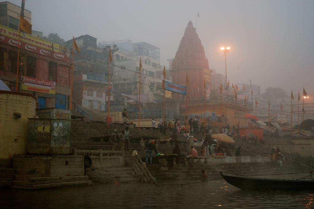 Il ghat e le abluzioni