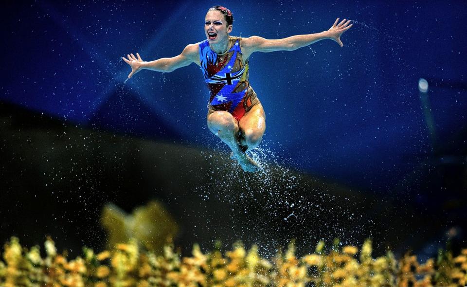 synchronized-swimmer-londo