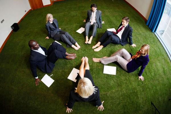 Crowne-Plaza_grass-carpets01