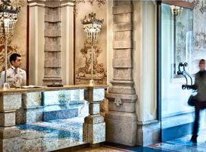 3_Mid-size_Chateau_Monfort_Reception-copia