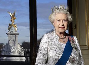 queen-official_2129860b