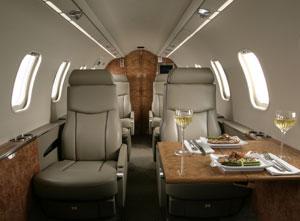 Interno-Learjet_45_XR-8-posti