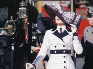 hollywood-kate_winslett_titanic_costume