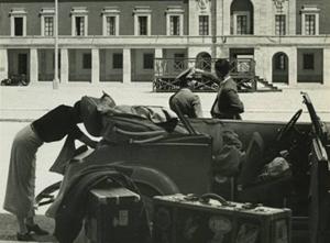 In-partenza-dalla-piazza-del-Mercato-di-Littoria-(oggi-Latina)