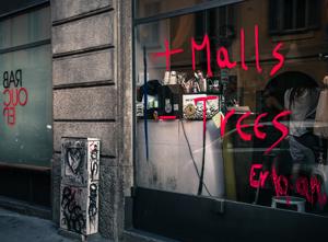 ttn-anonimartisti-Malls-Trees-2013-smalto-su-vetro