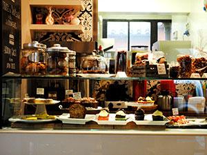 Mama's-Bakery-300