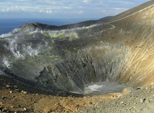 isola-di-vulcano trekking