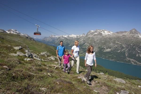 ENGADIN St. Moritz: Wandern Corvatsch, Familie