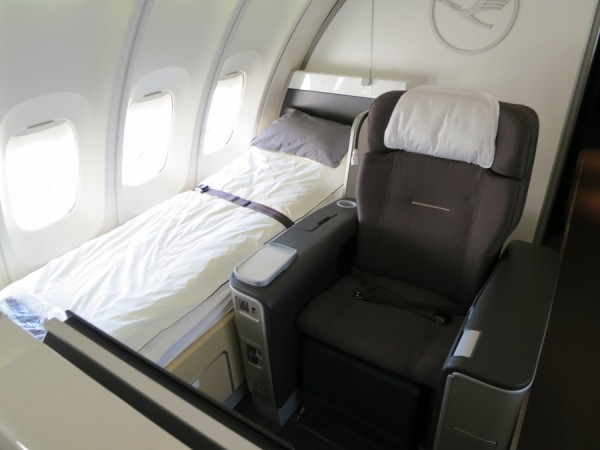 Lufthansa-First-Class-Seat-and-Bed