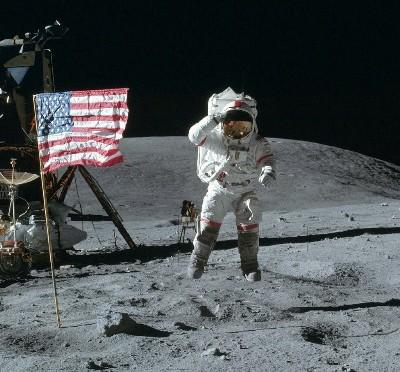 Moon-landing-400x372