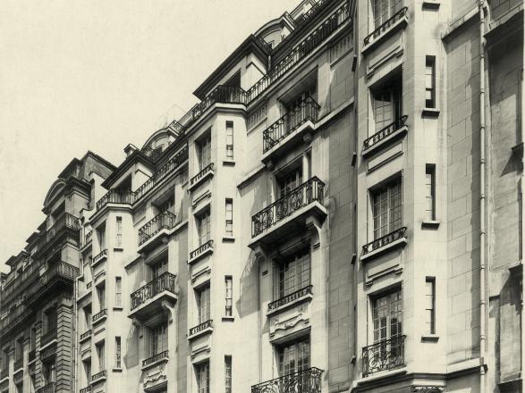 Le_Bristol_Paris_Entree_1920-1930_2
