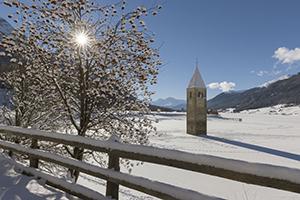 Südtirol, Vinschgau, Winter, Kirchturm im See, Reschensee, Alt-Graun,
