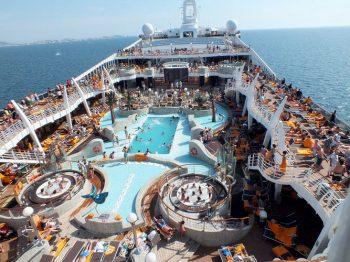 MSC-Fantasia-ponte-con-piscine