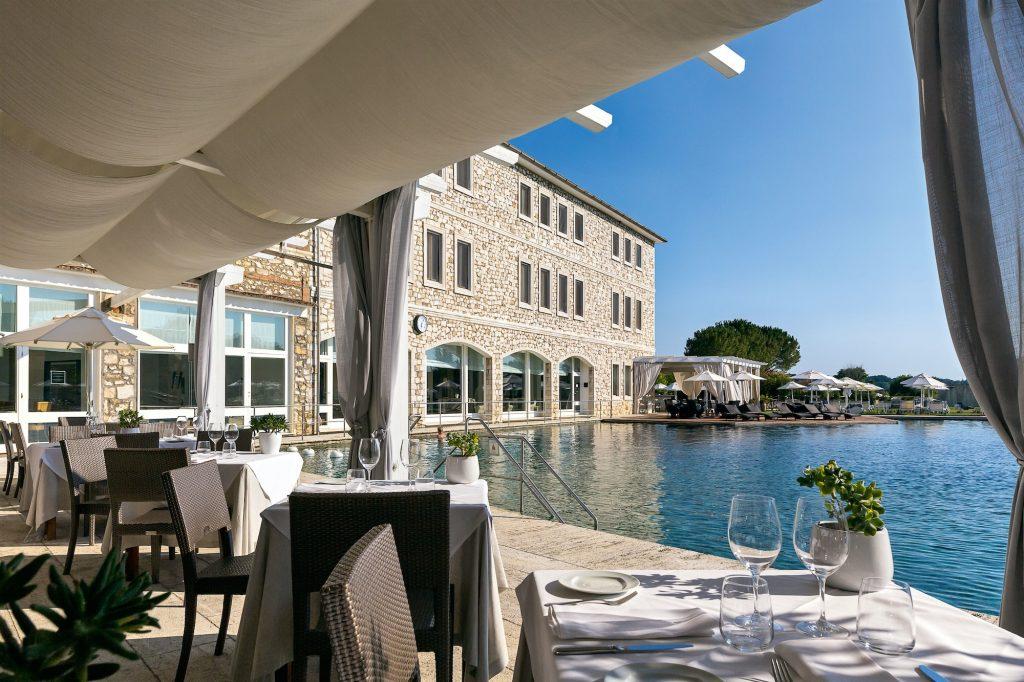 Il ristorante Aqualuce di Terme di Saturnia Spa & Golf Resort