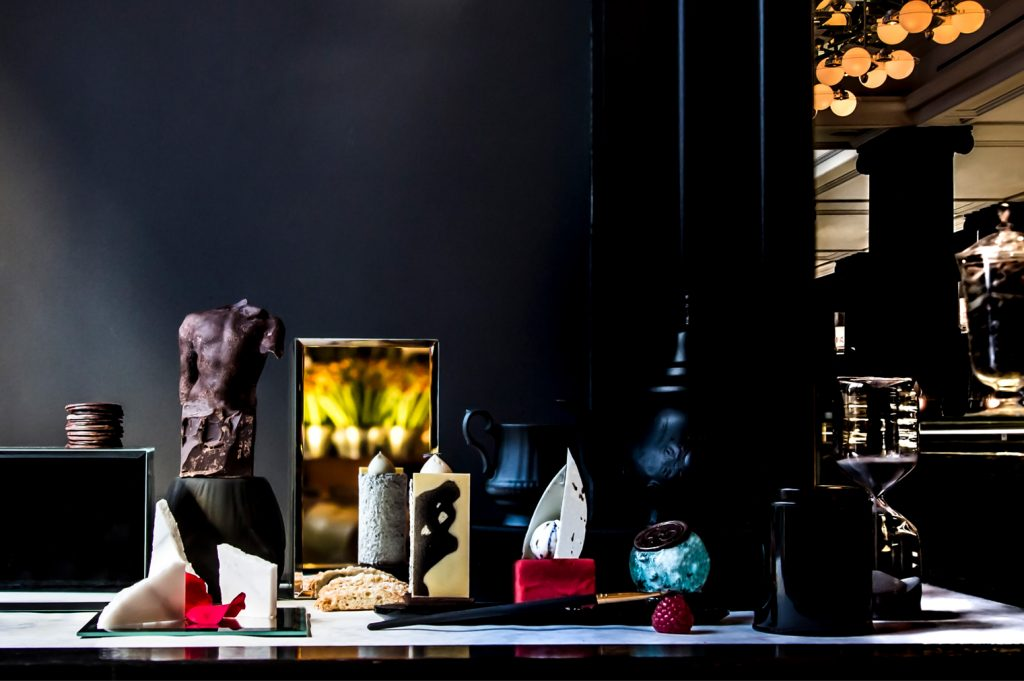 Mirror Room_Rodin Afternoon Tea_3 Desserts_©Studio Appetit_lowres