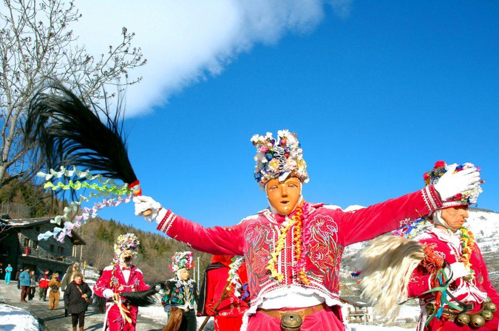 VALLE_D_AOSTA-Carnevale_di_Etroubles-9b__foto_Archivio_Turismo__02
