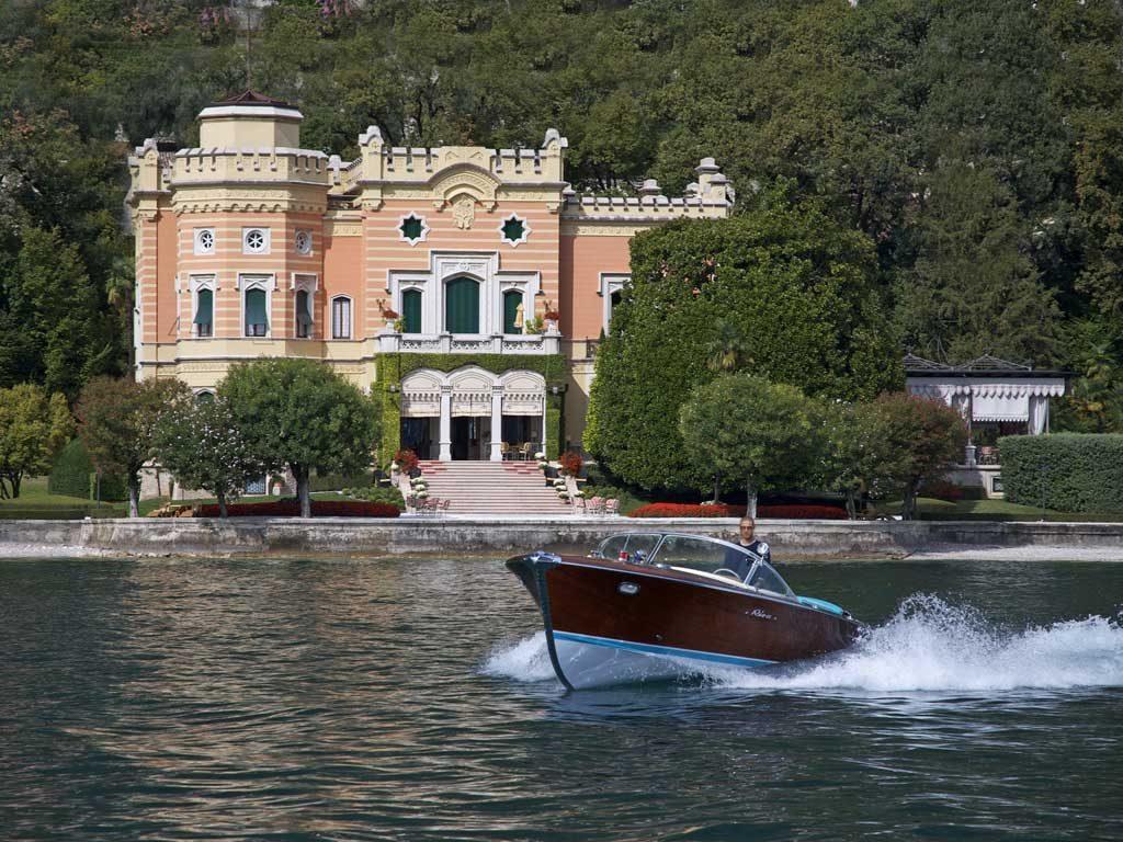 Villa Feltrinelli, sulla riva del Lago di Garda