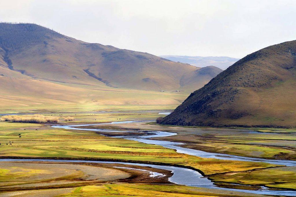 mongolia-karakorum-valley-copia
