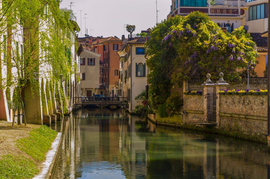 Buranelli Canal in Treviso (Veneto, Italy).