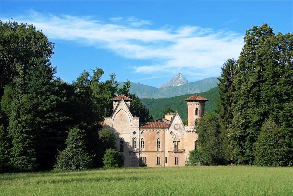 Il Castello di Miradolo, in provincia di Torino