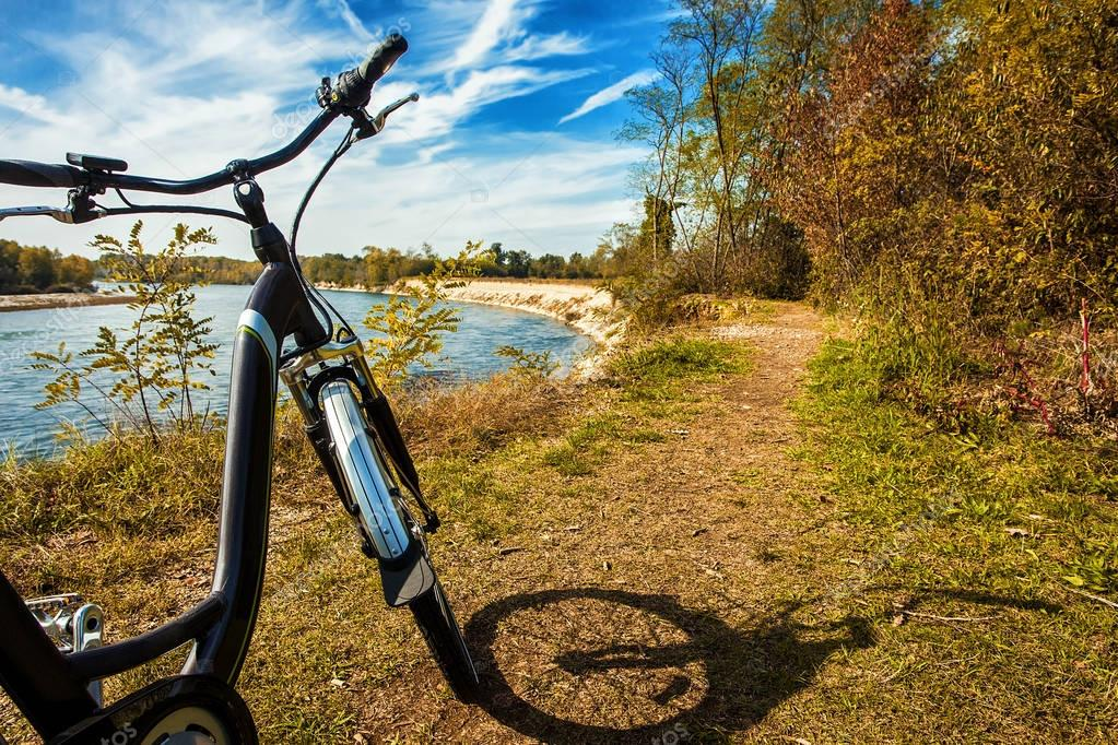depositphotos_130118362-stock-photo-bike-trip-in-park-of