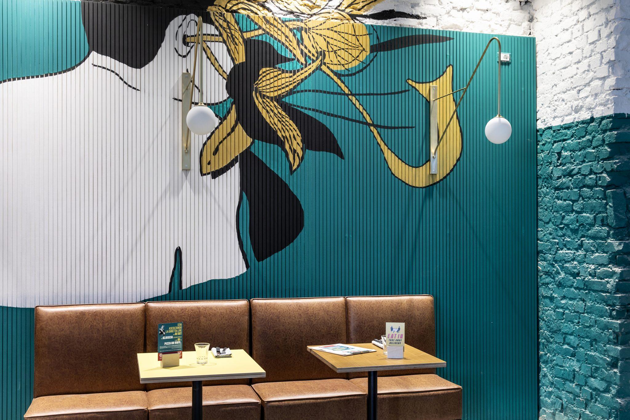 Il murale del duo artistico To/Let nella pizzeria Berberè, aperta il 27 marzo a Milano