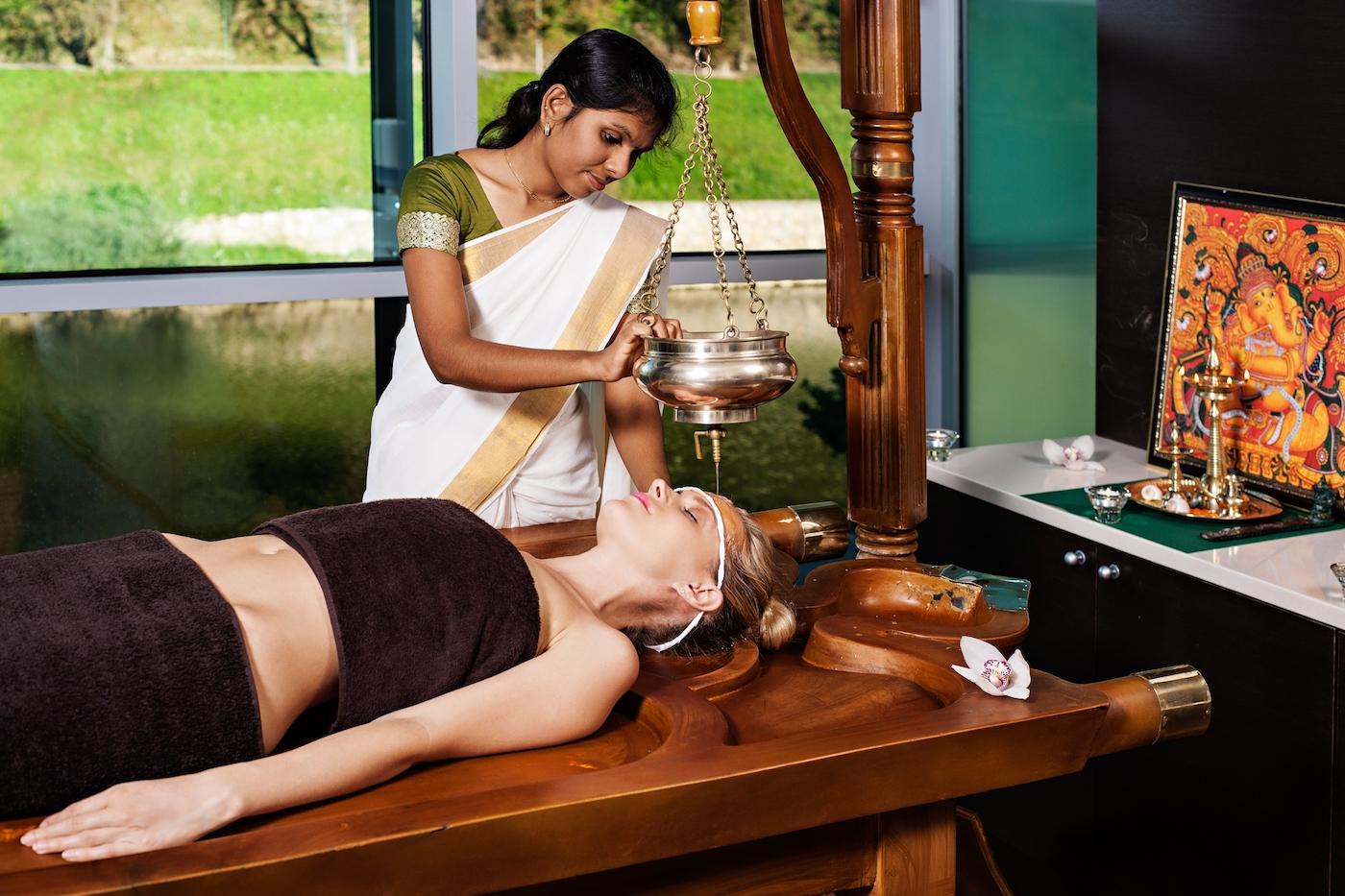 AYURVEDA_massaggio2