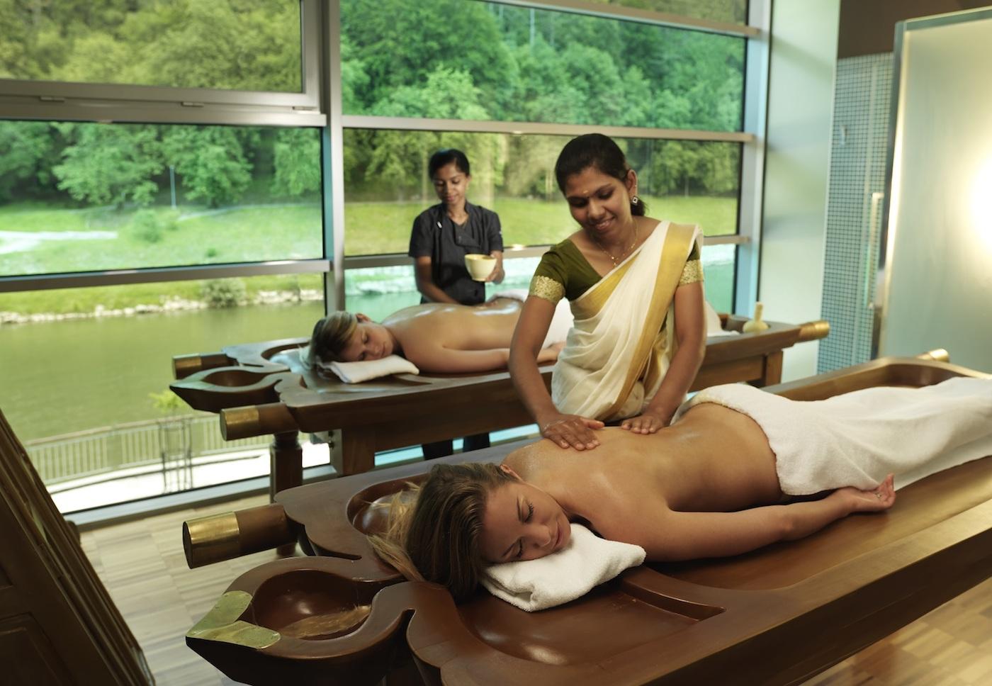 TARA AYURVEDA massaggio_amice