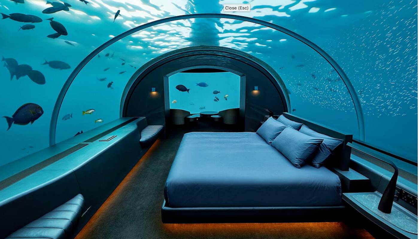 La suite subacquea dell'hotel Conrad Maldives Rangali Island.