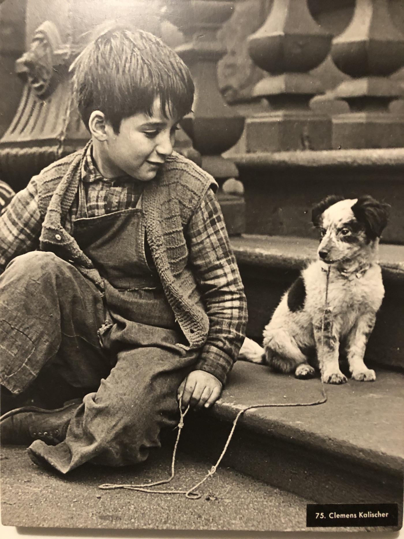 """Un'immagine del fotoreporter e fotografo d'arte americano Clemens Kalischer: fa parte dell'esposizione permanente """"Family of man"""""""