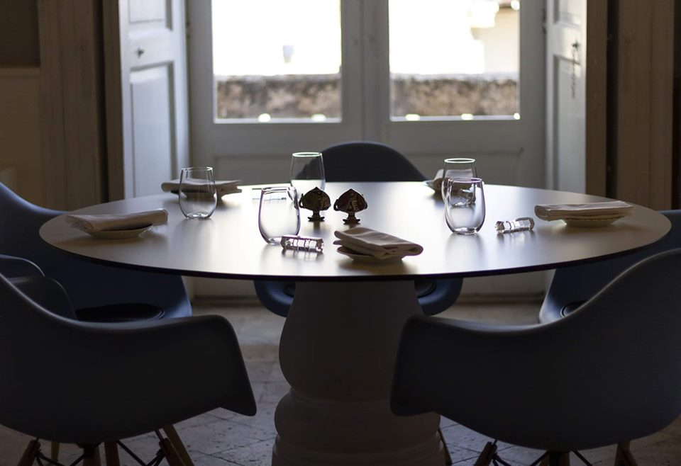 A table at Dimora Ulmo, promising restaurant in Matera, City of Italian Culture 2019.