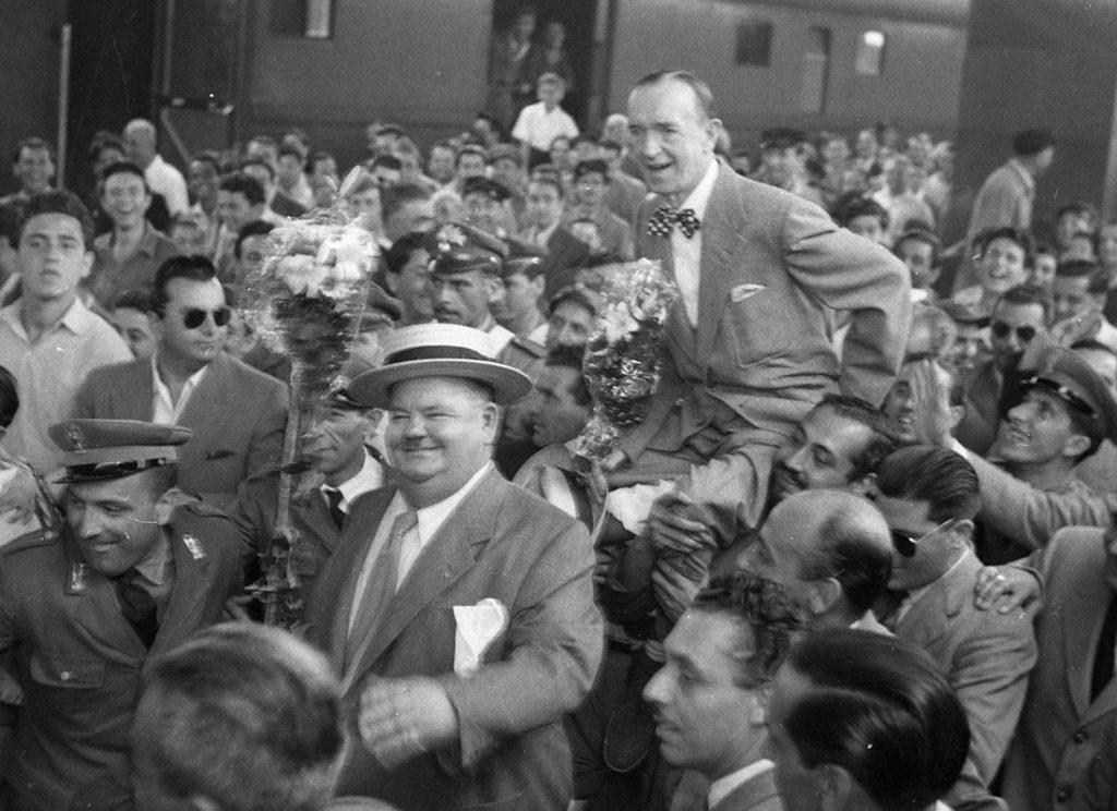 Arrivo alla stazione Termini di Stan Laurel e Oliver Hardy, Roma, 23 luglio 1950. 1101