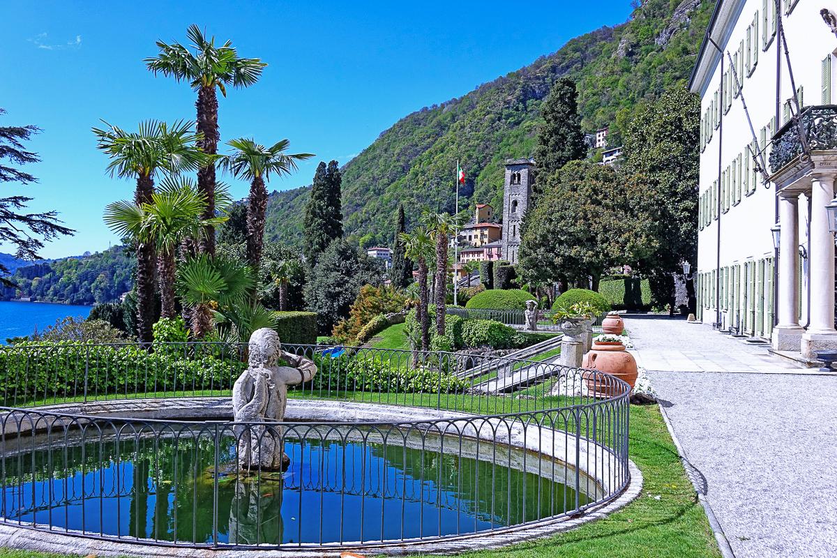 Italian gardens sorround Villa Passalacqua on Lake Como. Photo @GianmarioMarras