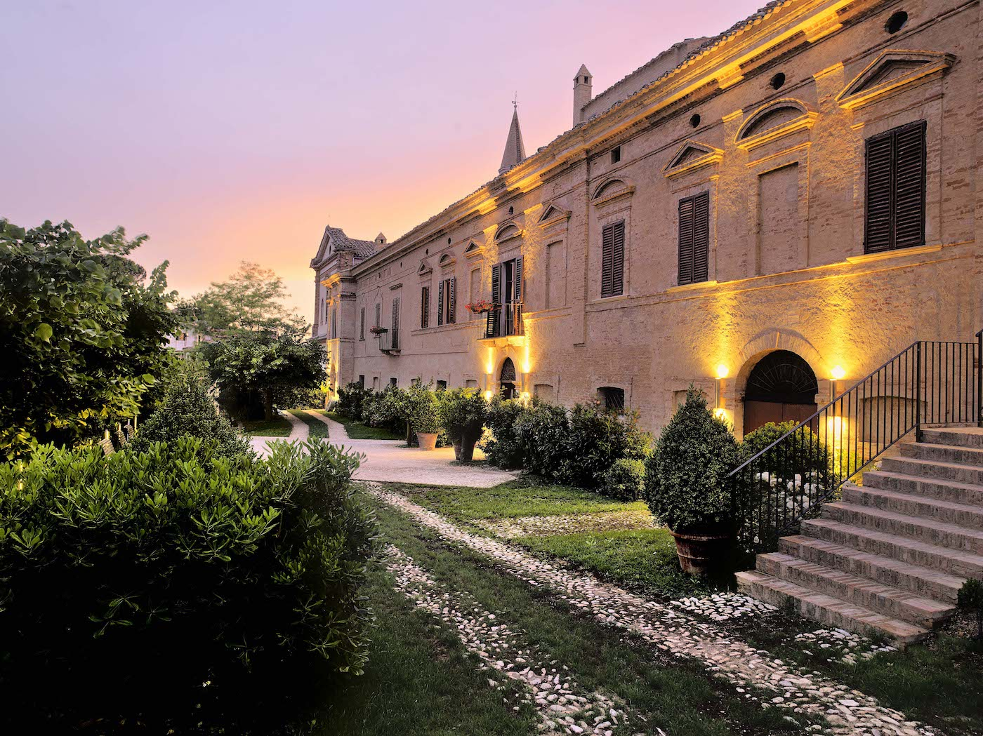 Veduta serale del Castello di Semivicoli