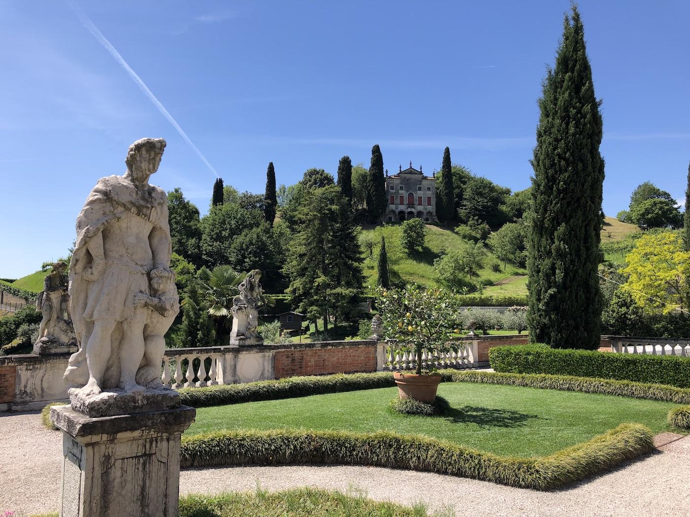 Villa degli Armeni ad Asolo, vista dal parco di Villa De Mattia