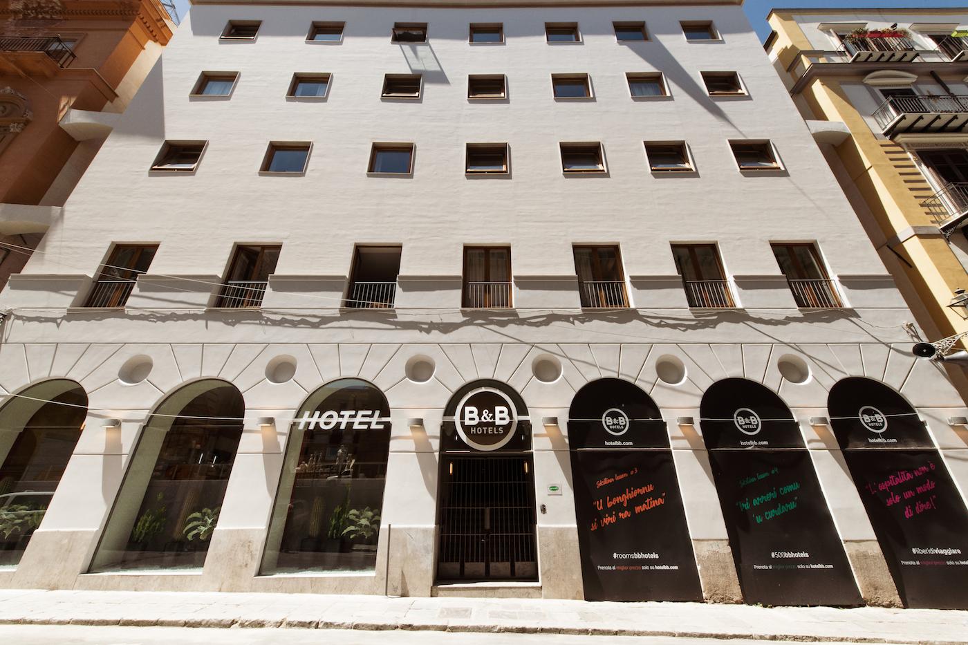 La facciata del B&B Hotel Palermo Quattro Canti